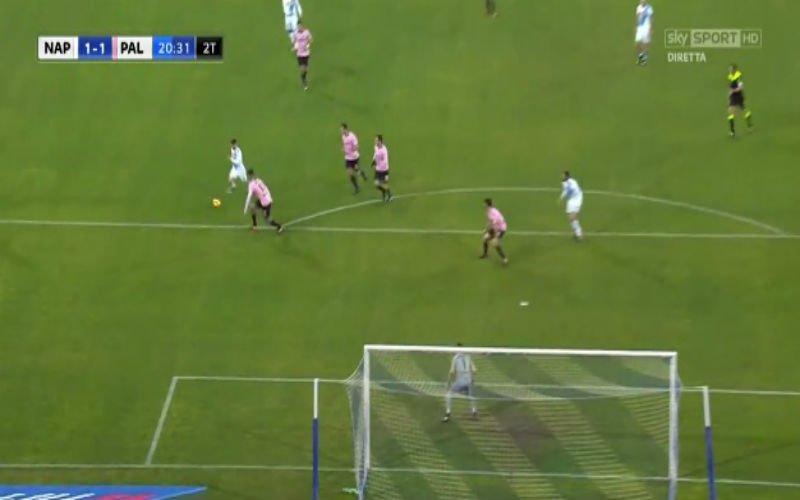 Dries Mertens scoort weer voor Napoli, maar dankt vooral blunderende doelman (Video)
