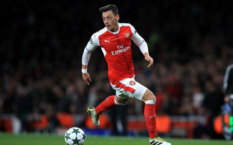 'Özil schokt Engeland met extreem gevoelige transfer'