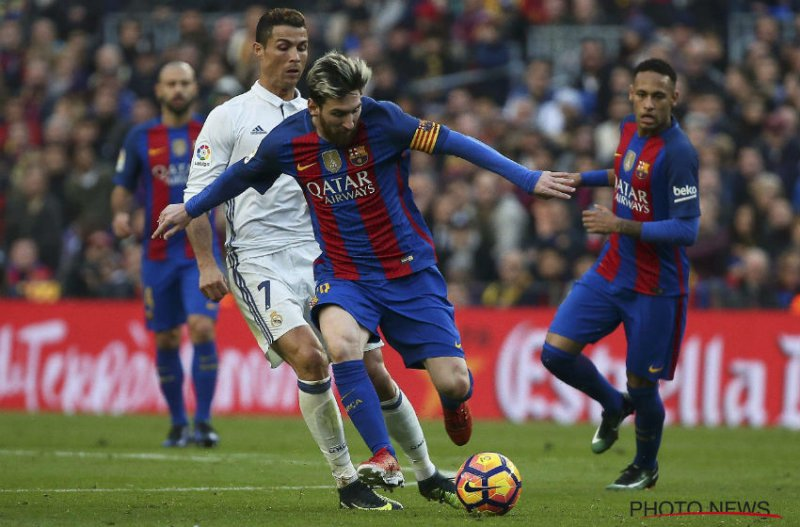 'Guardiola zit rond tafel met Messi'