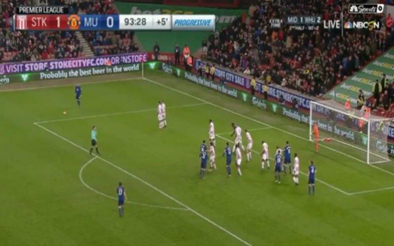 Rooney wordt clubtopschutter aller tijden met deze weergaloze vrije trap (Video)