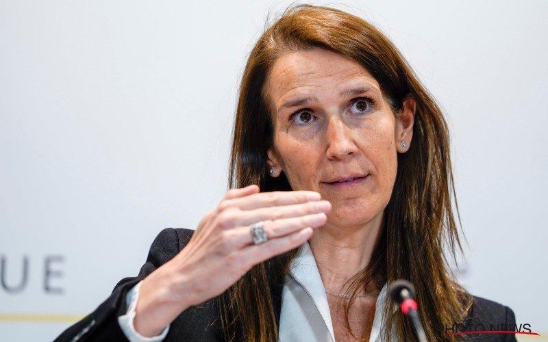 Veiligheidsraad spaart het voetbal: 'Competitiestart niet in gevaar'