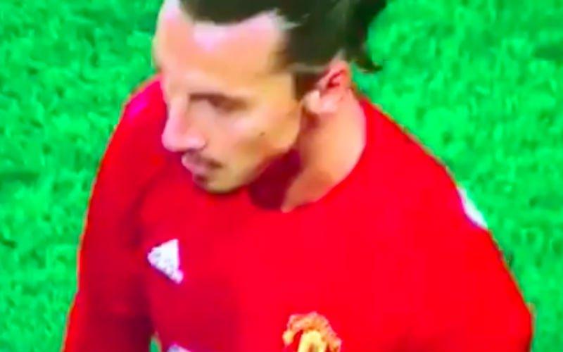 Scheidsrechter waagt zijn leven door Zlatan aan te raken... (Video)