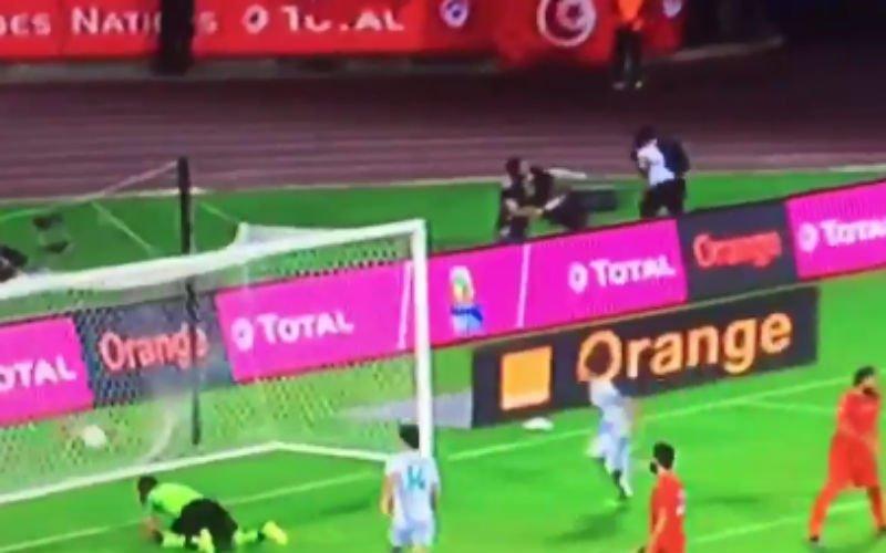 Hanni scoort fantastisch doelpunt op Afrika Cup (Video)