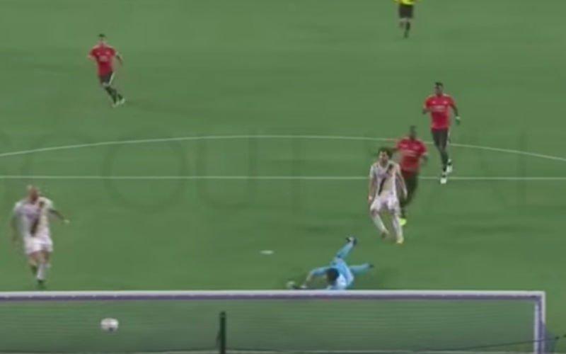 Geweldige misser van Lukaku in oefenpot Man United (Video)