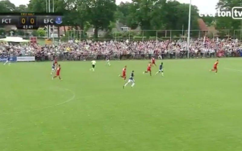 Mirallas scoort een wereldgoal tegen Twente (Video)
