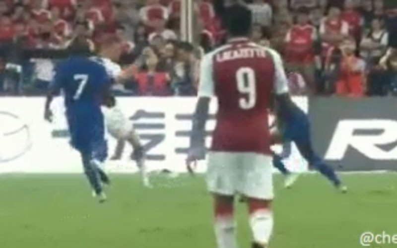 Batshuayi scoort geweldige goal (Video)