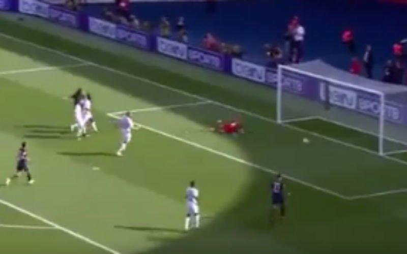 Geweldige assist van Alves bij PSG (Video)